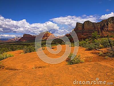 Czerwone skały sedony w arizonie.