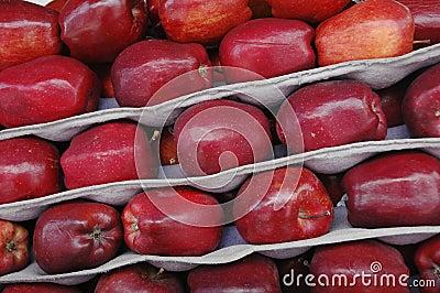 Czerwoni jabłka