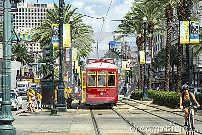 Czerwony tramwaju tramwaj na poręczu Fotografia Editorial