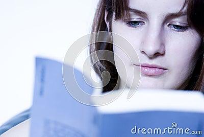 Czytanie dziewczyny