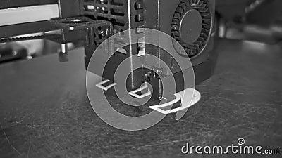 3D-принтер печатает слово 3D черно-белое разрешение Video 4K сток-видео