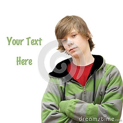 Adolescent se penche sur