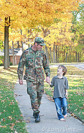 Free Dad And Son Walking Royalty Free Stock Photography - 4513667