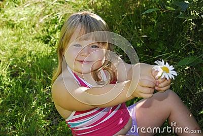 Daisy dziewczyny się uśmiecha