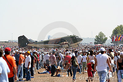 Dakota C-47D Air Show with people