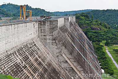 Dam for electricity generating