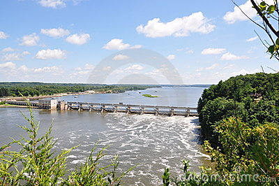 Dam on the Illinois River