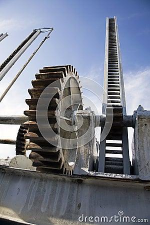 Dam mechanism