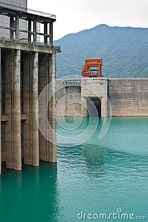 Dam power station