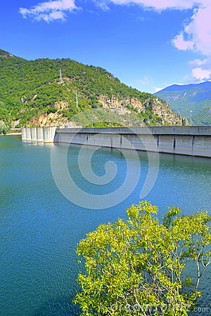 Free Dam Wall Royalty Free Stock Images - 47684679