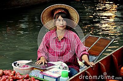 Damnoen Saduak, Thailand: Floating Market Editorial Stock Image