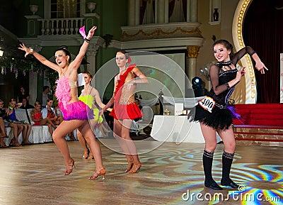 A dança artística concede 2012-2013 Fotografia Editorial