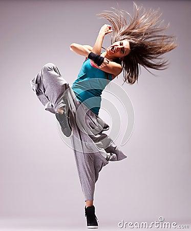 Dançarino da mulher de Headbanging que grita