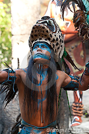 Dança maia Foto Editorial