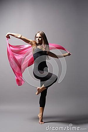 Dançarino moderno do estilo