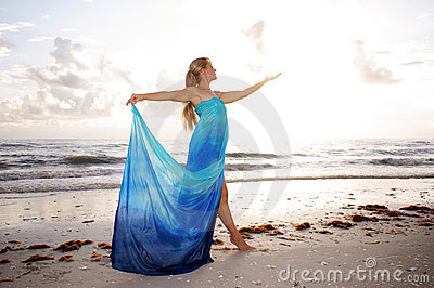 Dancer in goddess like pose