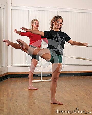Free Dancers Royalty Free Stock Image - 326786