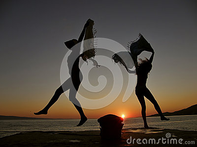 Dancers in the sunset 1