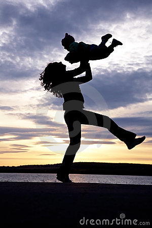 Free Dancing Mom With Child Royalty Free Stock Photography - 18559897