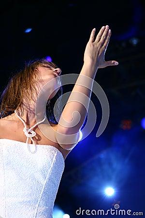 Free Dancing Woman Royalty Free Stock Image - 399786