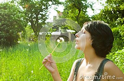 Dandelion podmuchowa dziewczyna