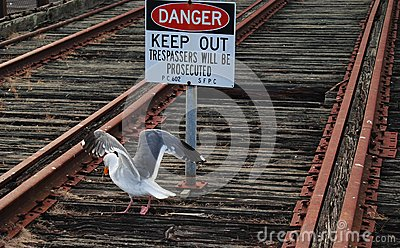 Danger on rail tracks, keep out