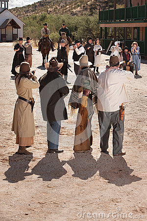 Dangerous Old West Shoot Out