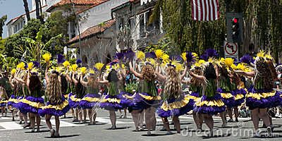 Dansare ståtar solstice Redaktionell Bild