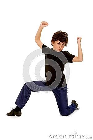 Danseur de garçon avec l assiette