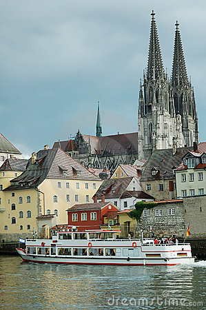 Free Danube In Regensburg Royalty Free Stock Photo - 20407595