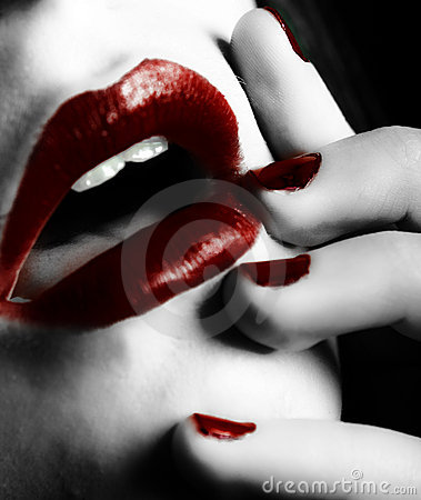 Free Dark Red Lips And Nails Royalty Free Stock Photography - 7916117