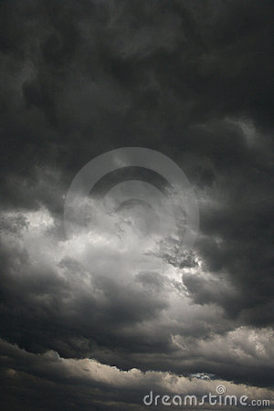 Free Dark Storm Clouds. Royalty Free Stock Photography - 2038287