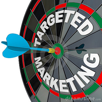 Free Dart And Dartboard Targeted Marketing Royalty Free Stock Photography - 19786947