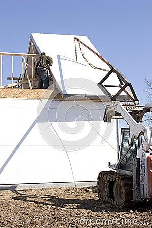 Das Dach nach unten halten