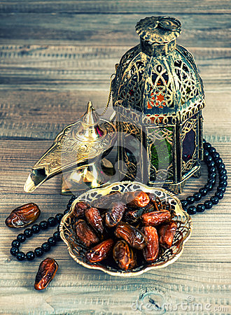 Free Dates, Arabic Lantern And Rosary. Oriental Decoration Stock Photo - 45198380