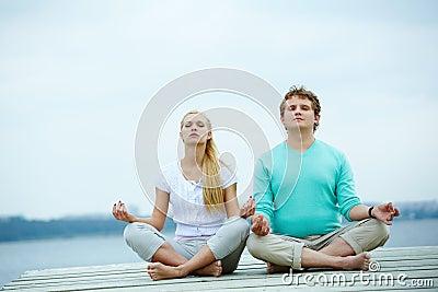 Dates meditating