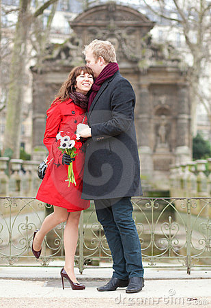 Dating couple with anemones