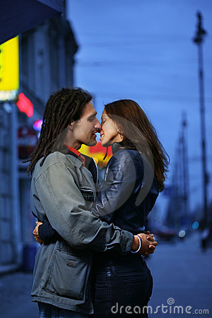 Free Dating Kissing Couple Royalty Free Stock Image - 3824086
