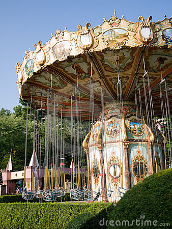 DaVinci s Dream Amusement Swing Ride Editorial Photo