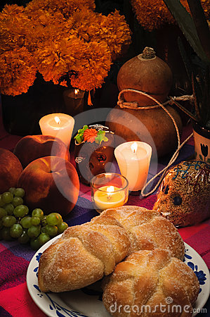 Free Day Of The Dead Offering Altar (Dia De Muertos) Stock Photo - 24300170