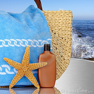 Free Day Spa, Beach Bag With Starfish Sunscreen Stock Photography - 9027152