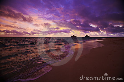 Daybreak at Lanikai beach in Hawaii