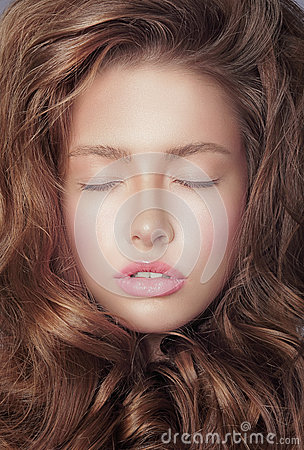 Free Daydream. Pensive Fresh Woman S Face With Closed Eyes And Curly Hair Royalty Free Stock Photo - 43539475