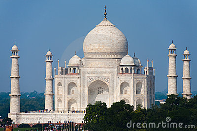 Daytime Taj Mahal at Distance