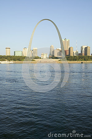 Free Daytime View Of Gateway Arch (Gateway To The West) And Skyline Of St. Louis, Missouri At Sunrise From East St. Louis, Illinois On  Stock Images - 52269224