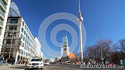 Daytime-vy längs Karl Liebknecht Strasse mot Berliner Fernsehturm Television Tower, Berlin, Tyskland stock video