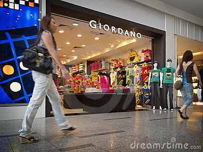 Débouché pour les ventes au détail de Giordano Photo éditorial