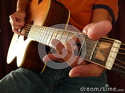 Débutant de leçon de guitare