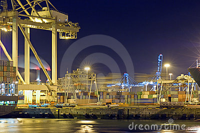 De activiteit van de haven