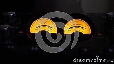 De analoge Audiovideo van de Muziekverslagen van de Meters Oude Stijl stock footage
